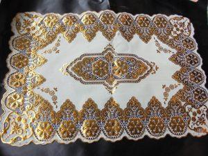 harga souvenir pernikahan taplak meja emas