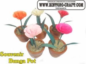 souvenir bunga mawar cantik