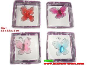 souvenir pernikahan bros kupu-kupu