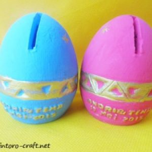 Souvenir Celengan Telur