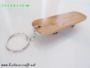 souvenir miniatur replika   scateboard