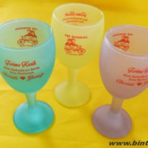 Souvenir Gelas Wine Warna