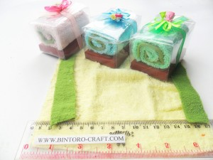 souvenir towel cake gulung murah meriah