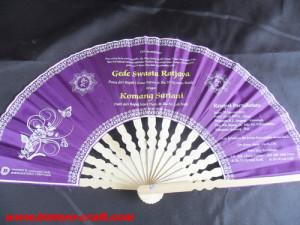 undangan kipas ungu