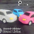 Souvenir Miniatur Grand Livina