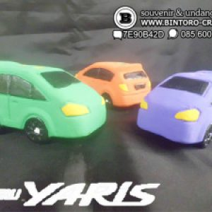 Souvenir Yaris (All New)